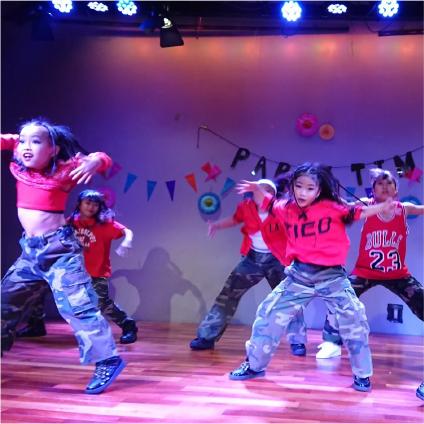 多摩市のダンススクール DANCE STUDIO 4LIKES 60分幼児・キッズコース